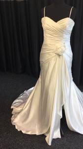 sleeveless brides dress